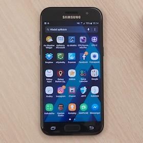 73b7ae355 Samsung Galaxy A3 (2017) - odolnejší, výkonnejší a drahší