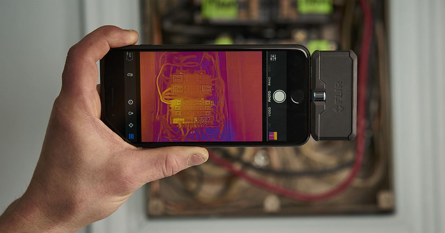 2683226711 Flir One Pro  externá termokamera pre Android a iOS
