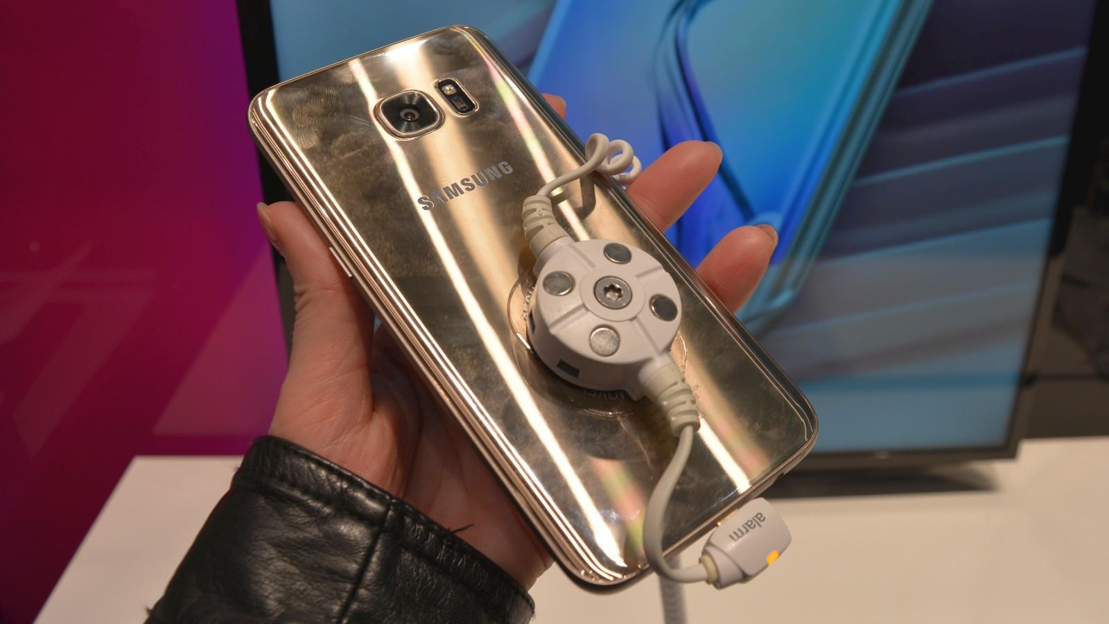 99fb1776f 24 hodín s Galaxy S7: okuliare sú zážitok, Telekom veľkolepo spustil predaj
